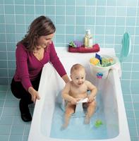 Ползать научила ванна